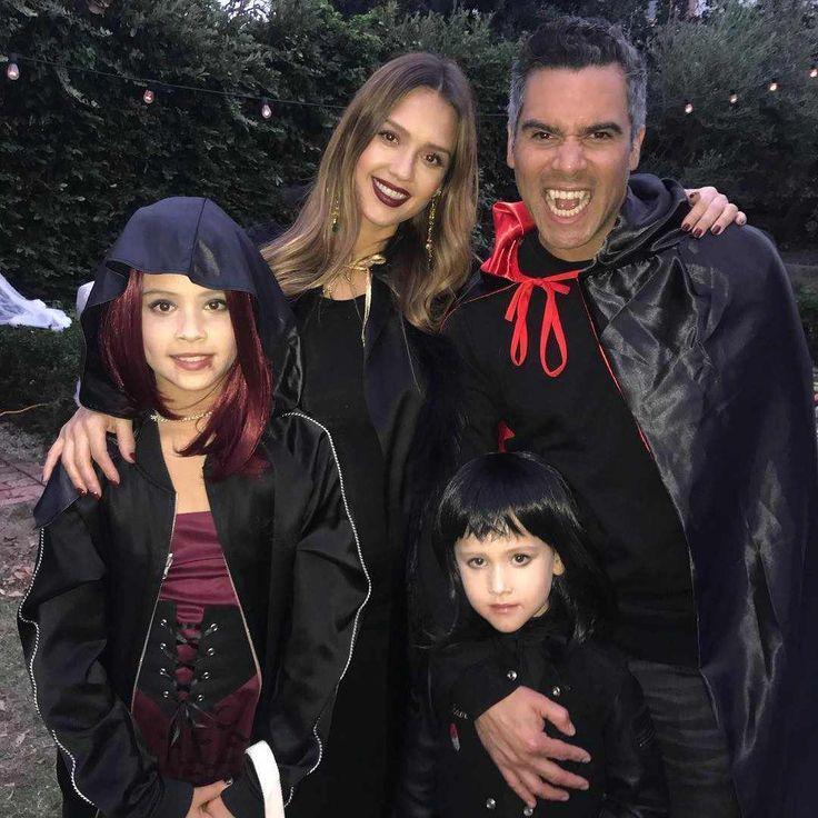 Jessica Alba & Cash Warren: Stars Celebrate Halloween 2017