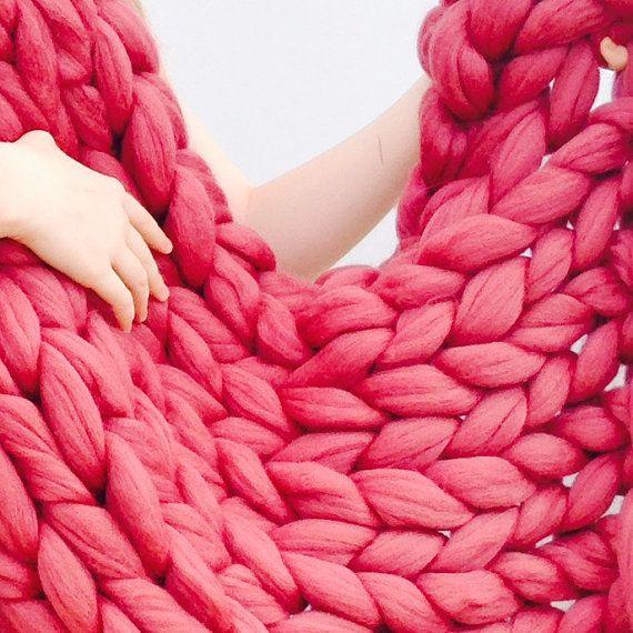 Gebreide dikke deken. Reuze handgemaakte door WoolCoutureCompany
