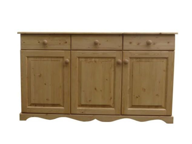 Beautifully hand made pine sideboard manufactured in sunny Cornwall.