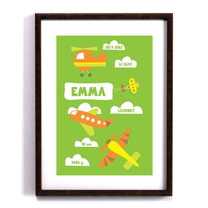 Denna doptavla har många färgglada flygplan och helikoptrar. På tavlan kan du kan skriva in din egen text. Barnets namn, vikt, längd, födelsedatum, klockslag. Det sista fältet är valfritt, där kan du t ex skriva in barnets stjärntecken eller vilken stad barnet är född i eller lämna det tomt. Perfekt doppresent eller gåva.