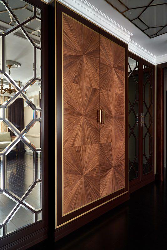 """Шкаф Атамус, классическая зеркальная раскладка с """"бриллиантовыми"""" гранями, сделают гардеробную настоящим шедевром предметного дизайна. #mrsrubyfurnitura #мебель #шкаф #гардероб #мебельпремиумкласса #мебельназаказ #зеркала"""