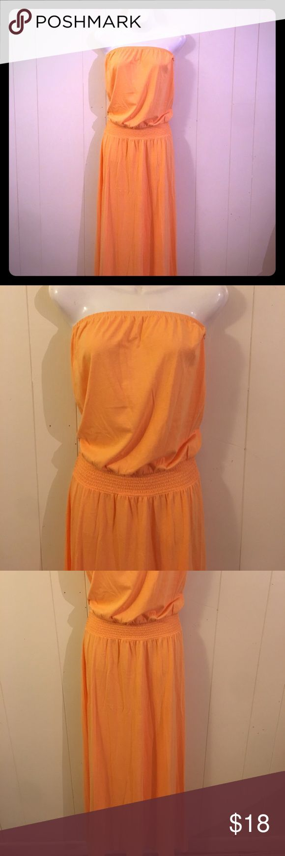 Old Navy strapless maxi dress Bright orange strapless maxi dress. Size xs. Stretchy elastic on dress waist. Gives a figure. Maxi dress. NWT. Old Navy Dresses Maxi