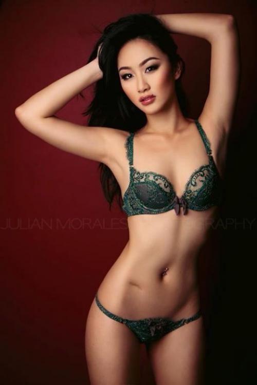 Asian slut evelyn lin takes big fat cock 2