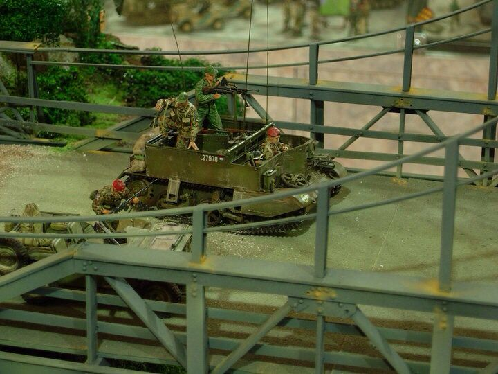 Ducth KNIL in action with bren carrier light tank, 6 hour battle in Jogjakarta-Indonesia 1949, 1/35 scale diorama by ademodelart