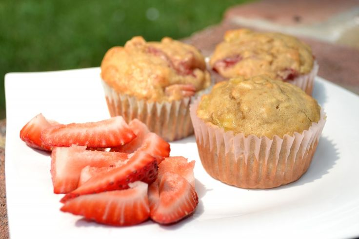 Healthy Low Fat Peanut Butter Banana Strawberry Muffins