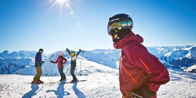 99 € – Alpenurlaub in Saalfeldennahe den Skigebieten, -53% -- Saalfelden liegt zwischen Bergketten im Salzburger Land. Im Herbst ein beliebtes Wanderziel, bietet die Region im Winter Zugang zu zwei großen Skigebieten. Hier wohnen Sie im renovierten Vier-Sterne-Hotel die Hindenburg für 99 € pro Zimmer und Nacht.