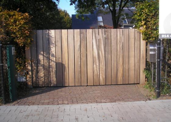 25 beste idee n over poorten op pinterest tuin poorten poort en voorhekken - Smeedijzeren pergola voor terras ...
