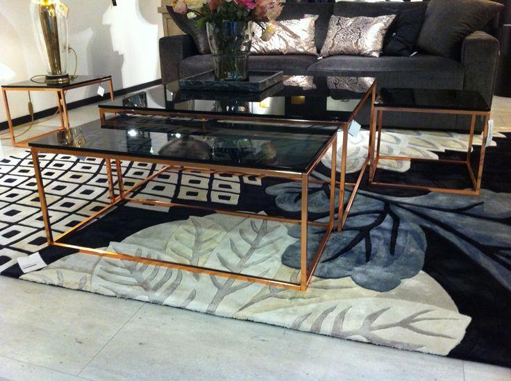 Rubix set of coffee tables / Rubix set tafels uitgevoerd in koper met grijs rookglas