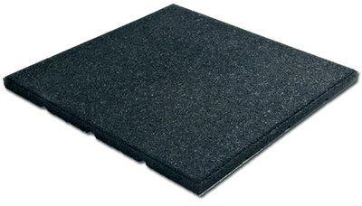 Zwarte Rubberen Tegel. Voor gebruik als valdempende ondergrond bij speeltoestellen. Kleur: Zwart. Afmetingen: Lengte: 500 mm. Breedte: 500 mm. Dikte: 25 mm. Gewicht: 5 kg. Bovens...