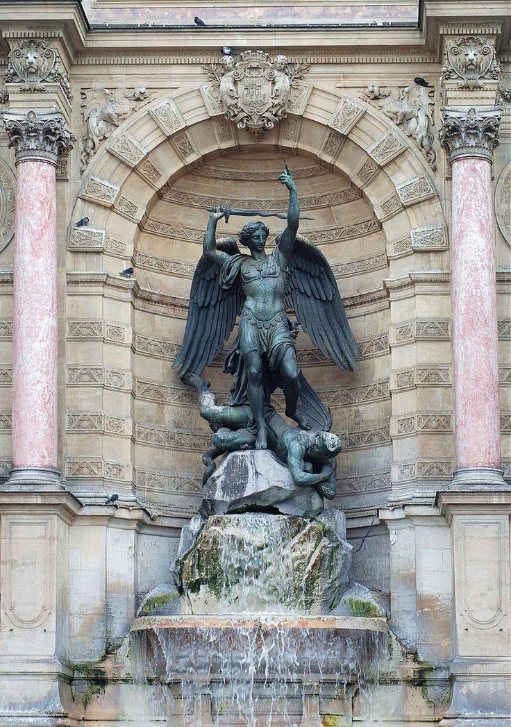 Fontaine Saint-Michel, Place Saint-Michel, Paris, France.