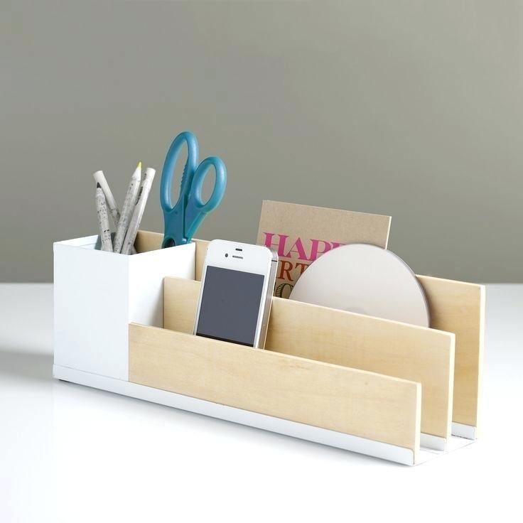 Easy Diy Wood Desk Desk Organizer Weiss Minimalistisch Und Ordentlich Easy Diy Wooden Desk Wooddiy Diy Wooden Desk Desk Organization Diy Desk Tidy