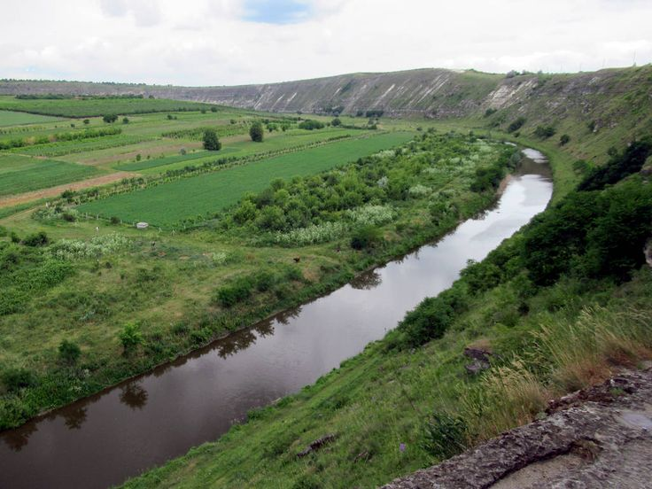The Raut River, a tributary of the Dniester, passes Orheiul Vechi, one of the oldest populated areas in Moldova. Cave monasteries were carved into the limestone cliffs by medieval monks.