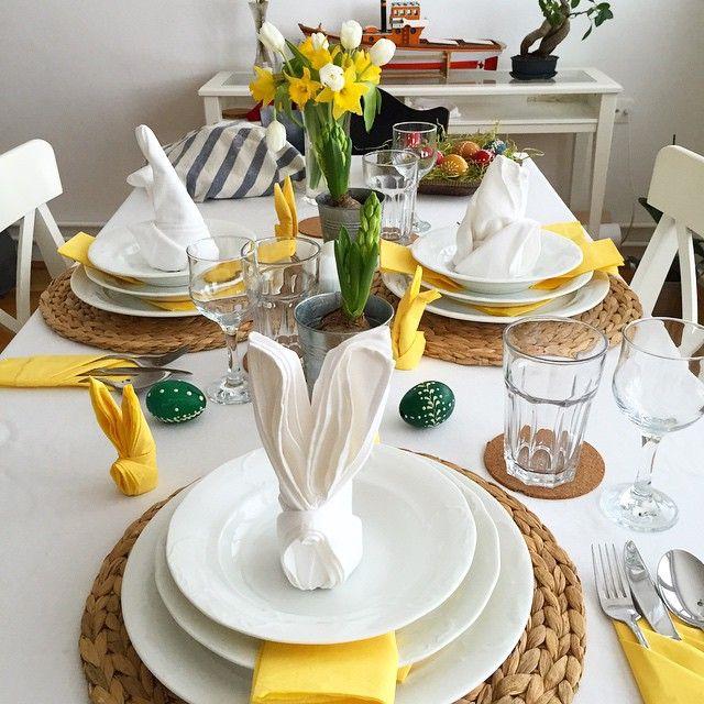 Nachystáno na sváteční oběd s tchánem. Ready for festive lunch with father in law. #velikonocninedele #veselevelikonoce #Velikonoce #HappyEaster #easter #homedecor #cooking #tulips #narcisus #hyacinth #family #decor #interior #bunny #napkin #bunnynapkin #eggs