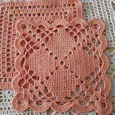 Resultado de imagem para toalhas em croche quadrada
