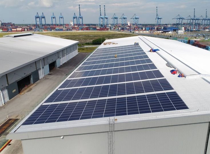 New Solar plant up and running for 2018 at Port Klang  #solar #klang #malaysia #renewableenergy #photovoltaic #selangor