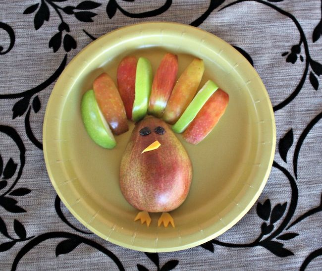 Thanksgiving fruit turkey pear apple