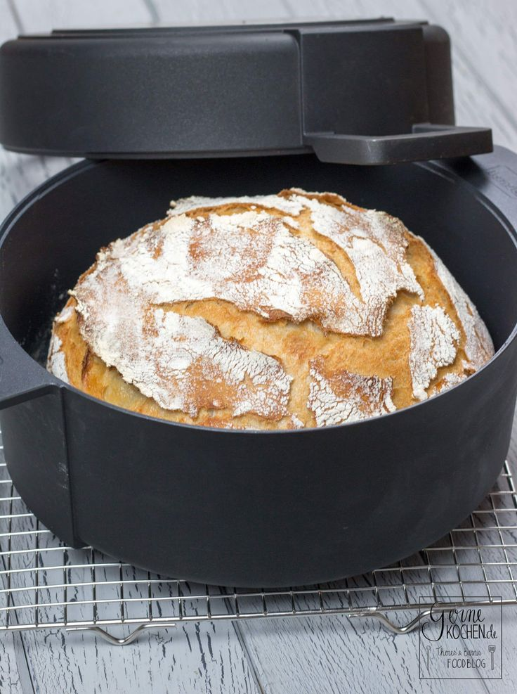 Ein Brot, das auch Faule backen können? Ja, unser No-Knead-Bread ist genau das Richtige für alle, die gutes Brot wollen, aber zu faul sind.