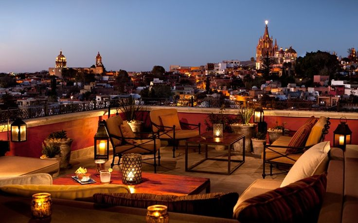 LUNA-Rosewood hotel tequila rooftop bar, is also a sushi bar