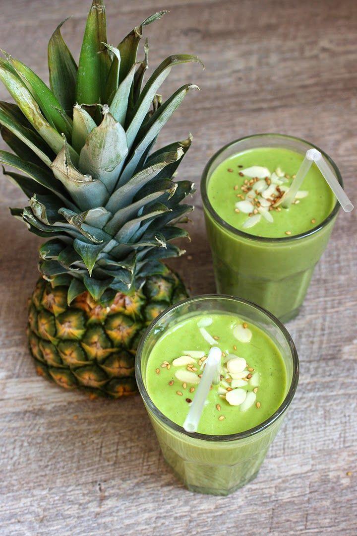 Ingrédients : 1/2 Ananas 1/2 Mangue 1 Banane 2 poignée d'épinards Une brique de lait de coco