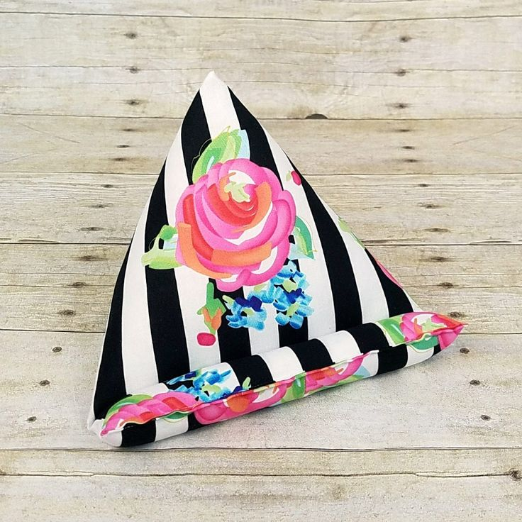 Secretary Gift ~ Black & White Striped Desk Accessories ~ iPad Stand ~ Birthday Day Gift for Mom ~ Bridesmaid Gift ~ Mother's Day Idea