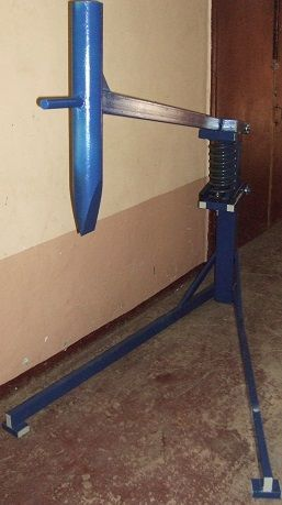 Manual log splitter:                                                                                                                                                                                 More