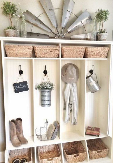 We just love the homey feel of this hallway tree!