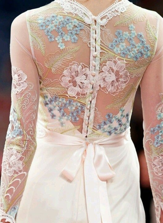 gorgeous back detailing