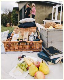 Romantic picnic outdoors - Allure Villas Stanthorpe