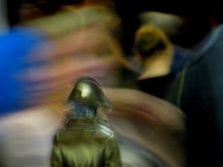Teatterin lumoa 2017: Kokki varas -näytelmän muistoja: Napoleoni tiiraa kansakunnan kaapin elikkä pisolaarin päältä rahvasta