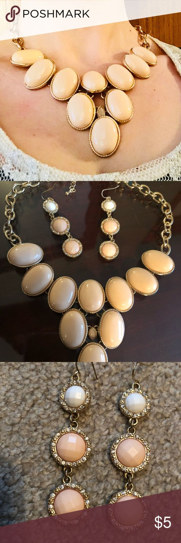 Womens necklace and earring set Gold & nude necklace earrings are gold nude & white with diamond details. Very elegant! Jewelry Necklaces #jewelrynecklaces