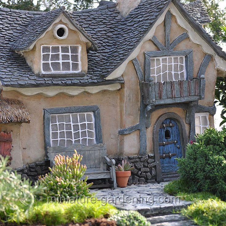Garden Cottage: The Underfoot Cottage #miniature-gardening.com