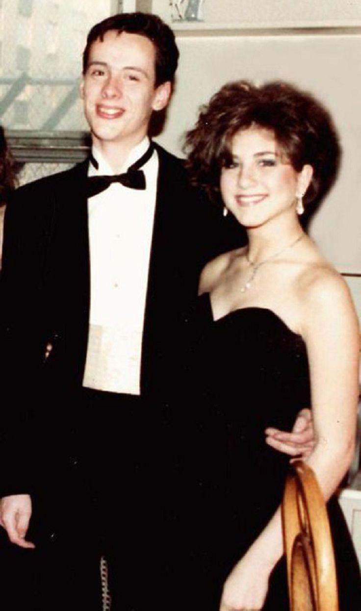TOP 10 Celebrity Prom photos > Jennifer Aniston - OH MY GOD SHE LOOKS LIKE JENNIFER LAWRENCE