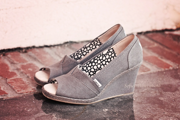 Toms casual wedges