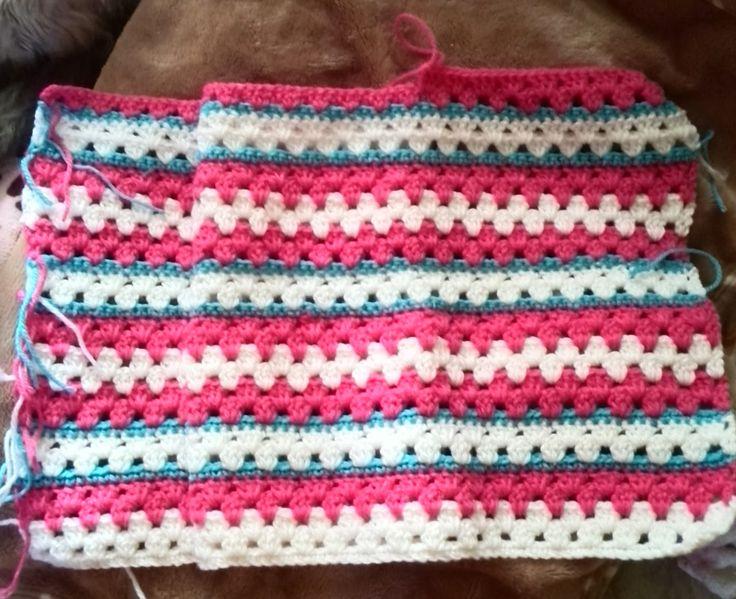 かぎ針編みのグラニーストライプの編み図と編み方を写真付きで紹介しているページです。