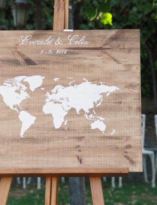 Libro de firmas mapamundi de madera