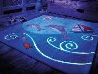 tappeto fluo a tema marino (Centro Moquette Contract, 250 € ca)
