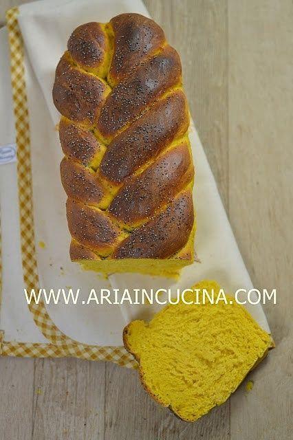 Treccia di pane alla zucca con semi di papavero
