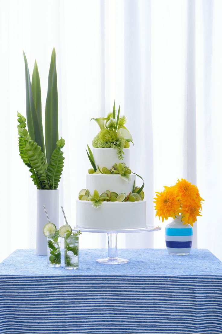 #NOVARESE #weddingcake  #white  #green #flower #leaf #orange