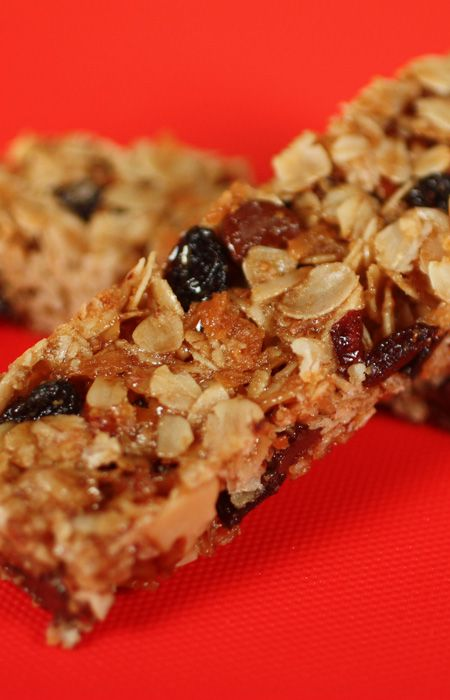 Granola Bars recipe from Jenny Jones (JennyCanCook.com) - So easy… everything in one bowl… done. These bars are chock full of healthy oats and nuts or customize your own. See my How-To video at: http://www.jennycancook.com/videos/