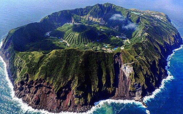 まるで天然のプラネタリウム!満点の星空がハンパない「青ヶ島」! – grape [グレープ] – 心に響く動画メディア
