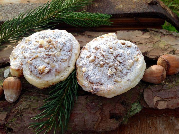 Blätterteig-Marzipan-Schnecken mit Nüssen Schnell und einfach in der Zubereitung und köstlich im Geschmack.