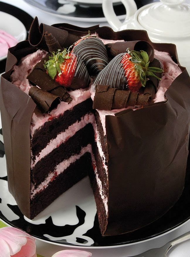 Strawberry Chocolate Mousse Cake,,