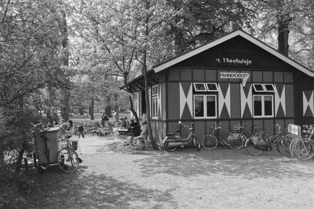 Kleine Houtweg, Theehuisje, Haarlemmerhout.1977