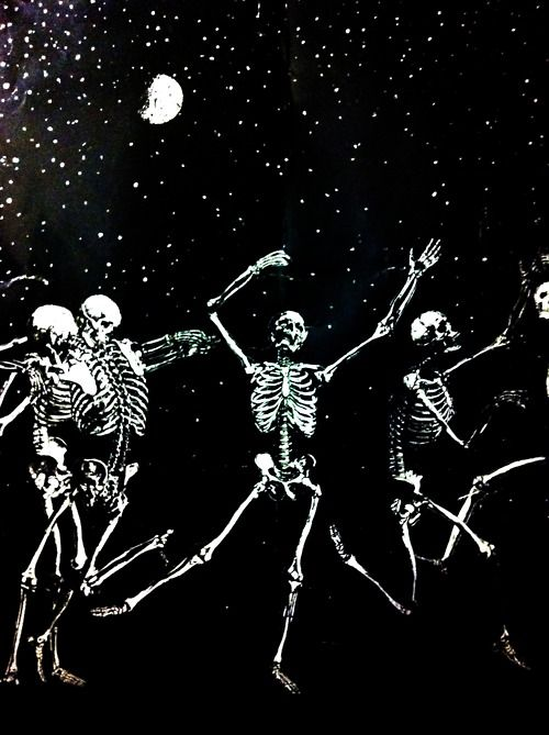 Happy danse....sometimes I encounter toss-ups...Grateful Dead or Dia de Los Muertos?