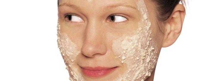 In deze blog wordt duidelijk uitgelegd wat exfoliëren precies is en wat het voor je huid doet. Dan begrijp je ook meteen dat exfoliëren en scrubben niet hetzelfde is!