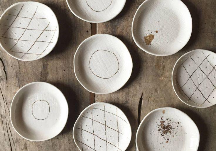Petites assiettes en céramique Epure