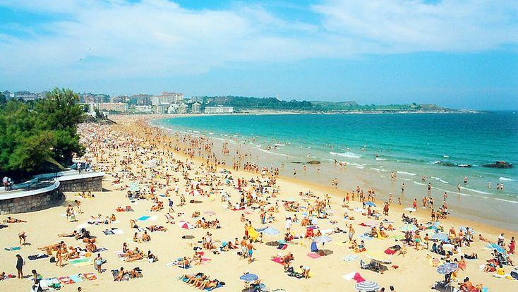Playa Sardinero - Santander - Spain.