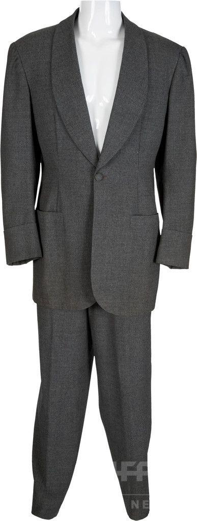 映画『風と共に去りぬ』でクラーク・ゲーブルが着用したレット・バトラーのスーツ(2015年3月26日提供)。(c)AFP/HANDOUT/HERITAGE AUCTIONS ▼20Apr2015AFP|『風と共に去りぬ』のスカーレットのドレス、1630万円で落札 http://www.afpbb.com/articles/-/3045832 #Rhett_Butler