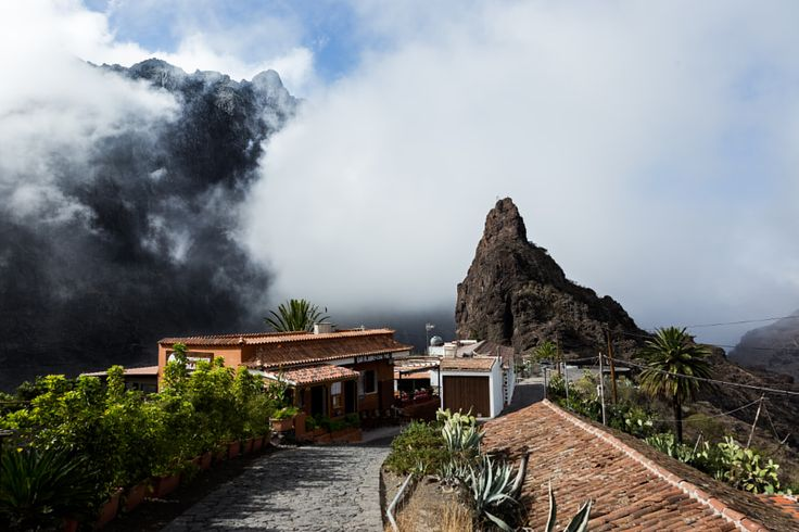 Masca covered in clouds