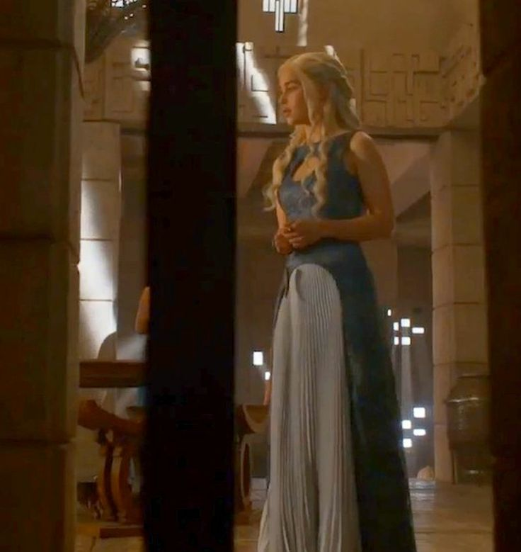 daenerys targaryen blue white - photo #19